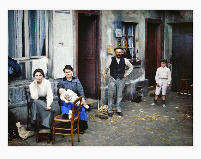 autochrome, Parisian shop owner and family, 1914